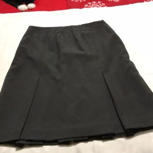 Ladies Worthington skirt